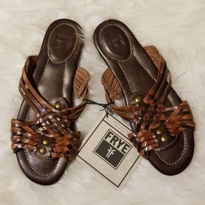 F r y e • Woven sandals